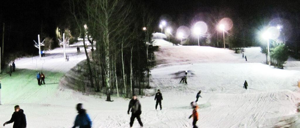 Centre de ski Saint-Georges de nuit